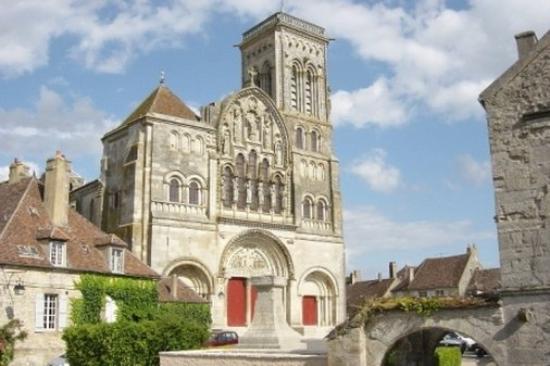 Vézelay (89)