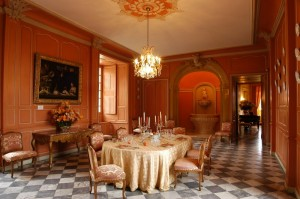 chateau jardins villandry salle a manger 800x531 300x199 Château de Villandry