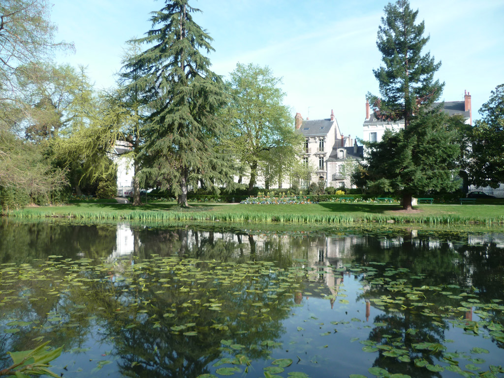 Jardin des pr bendes d o - Balancelle jardin castorama tours ...